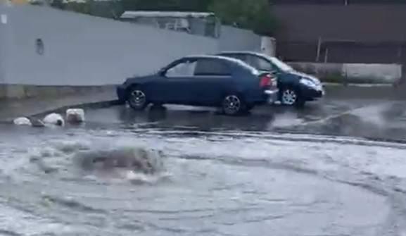 Десять минут дождя затопили Новороссийск