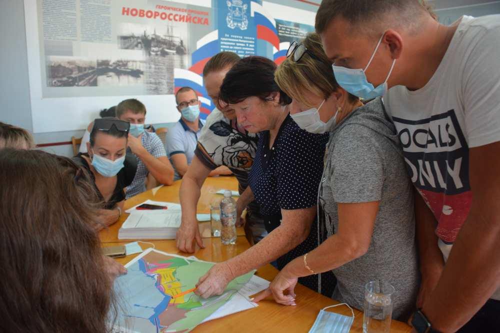 Когда жители Шесхариса в Новороссийске смогут узаконить свое жилье?