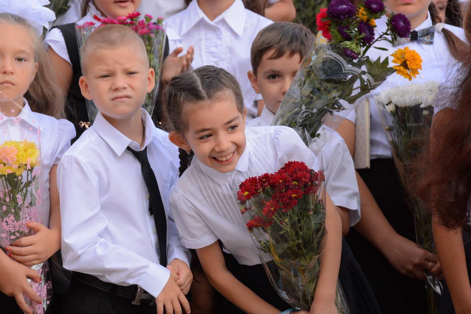 В Краснодарском крае определились, кого пустят на торжественные линейки 1 сентября