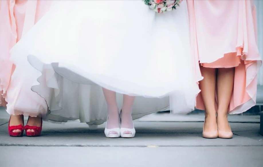 В субботу в мире отмечается День бархатных туфелек