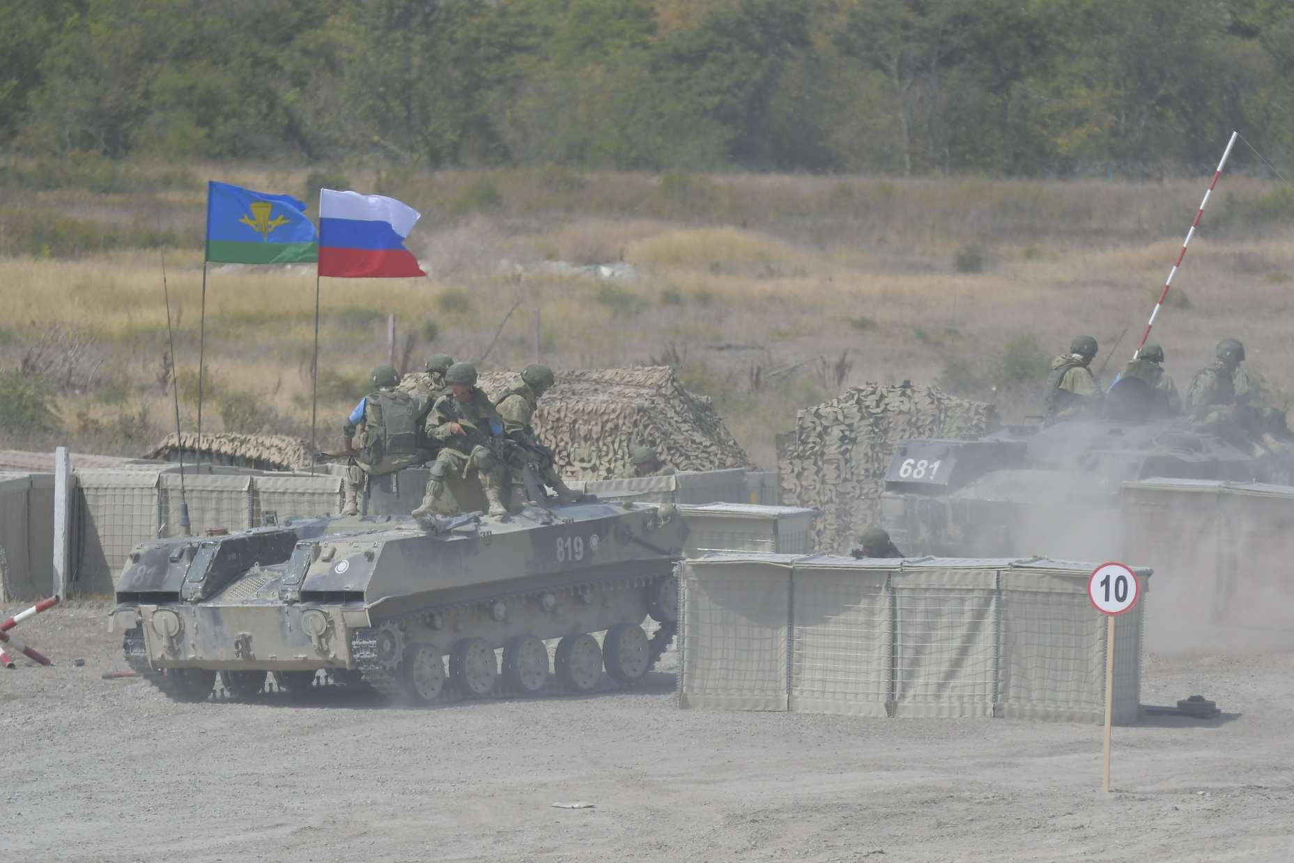 На полигоне «Раевский» под Новороссийском прошли учения десантных войск