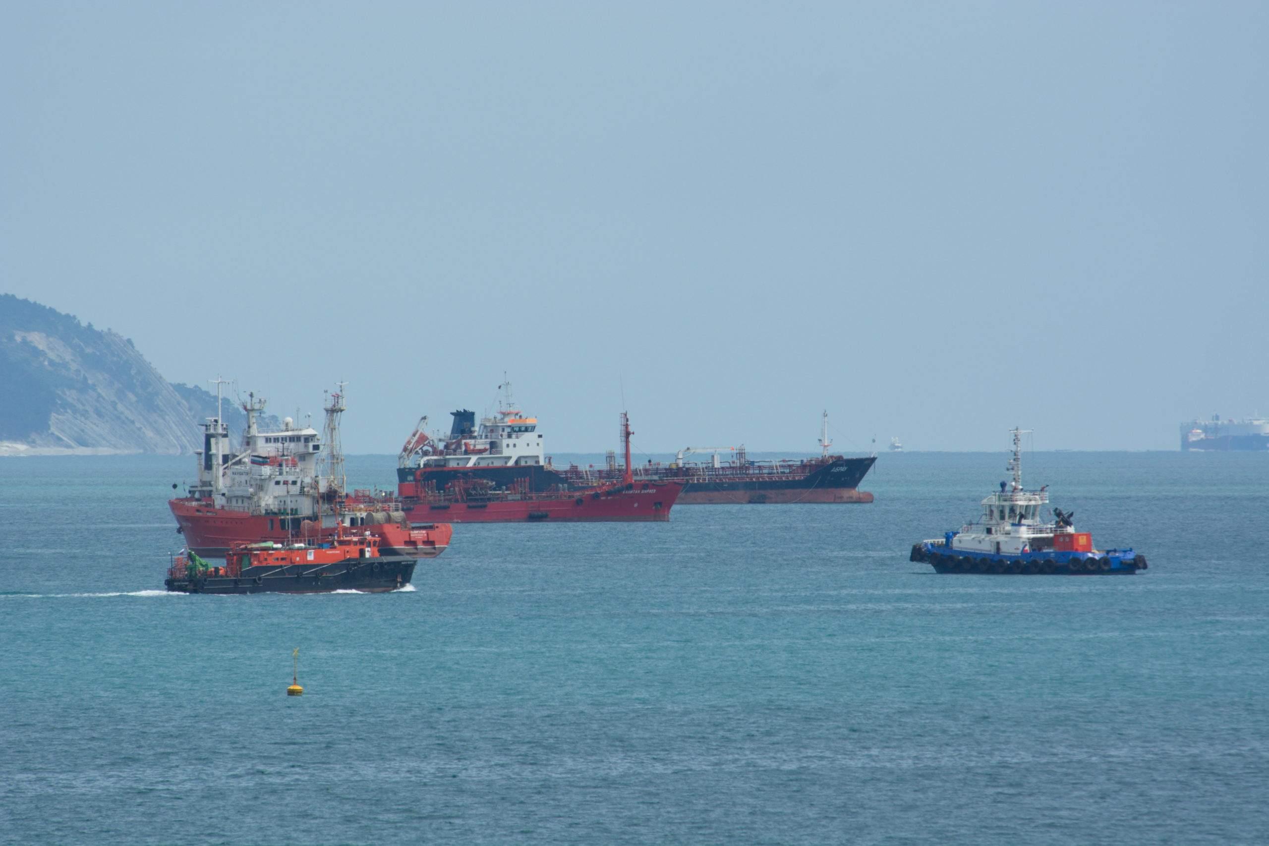 Моряки все еще не могут меняться в Китае