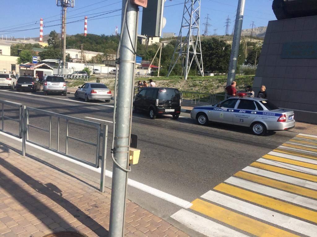 На Сухумском шоссе в Новороссийске, в районе Танка, сбили двух подростков