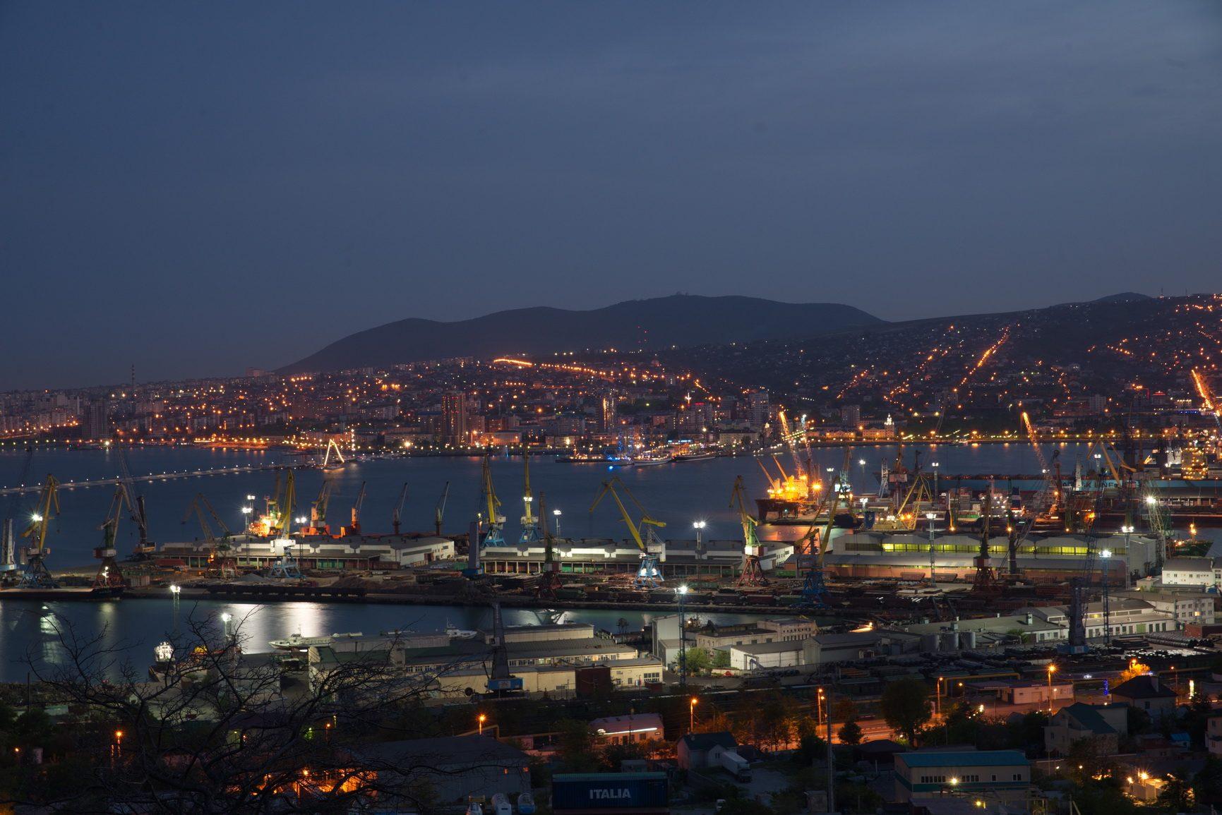 В новороссийском порту прибавится еще шесть кранов