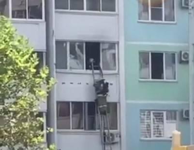 В Новороссийске горела квартира на проспекте Ленина