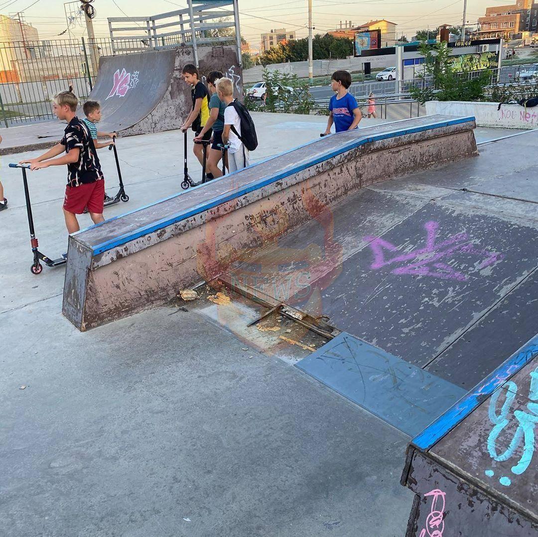 Кто защитит подростков Новороссийска от опасностей разваливающегося скейт-парка?