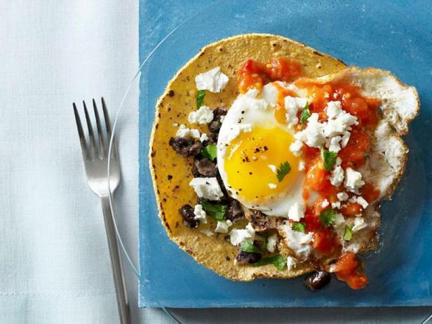 Уэвос-ранчерос или нескучная яичница с мексиканским колоритом на завтрак