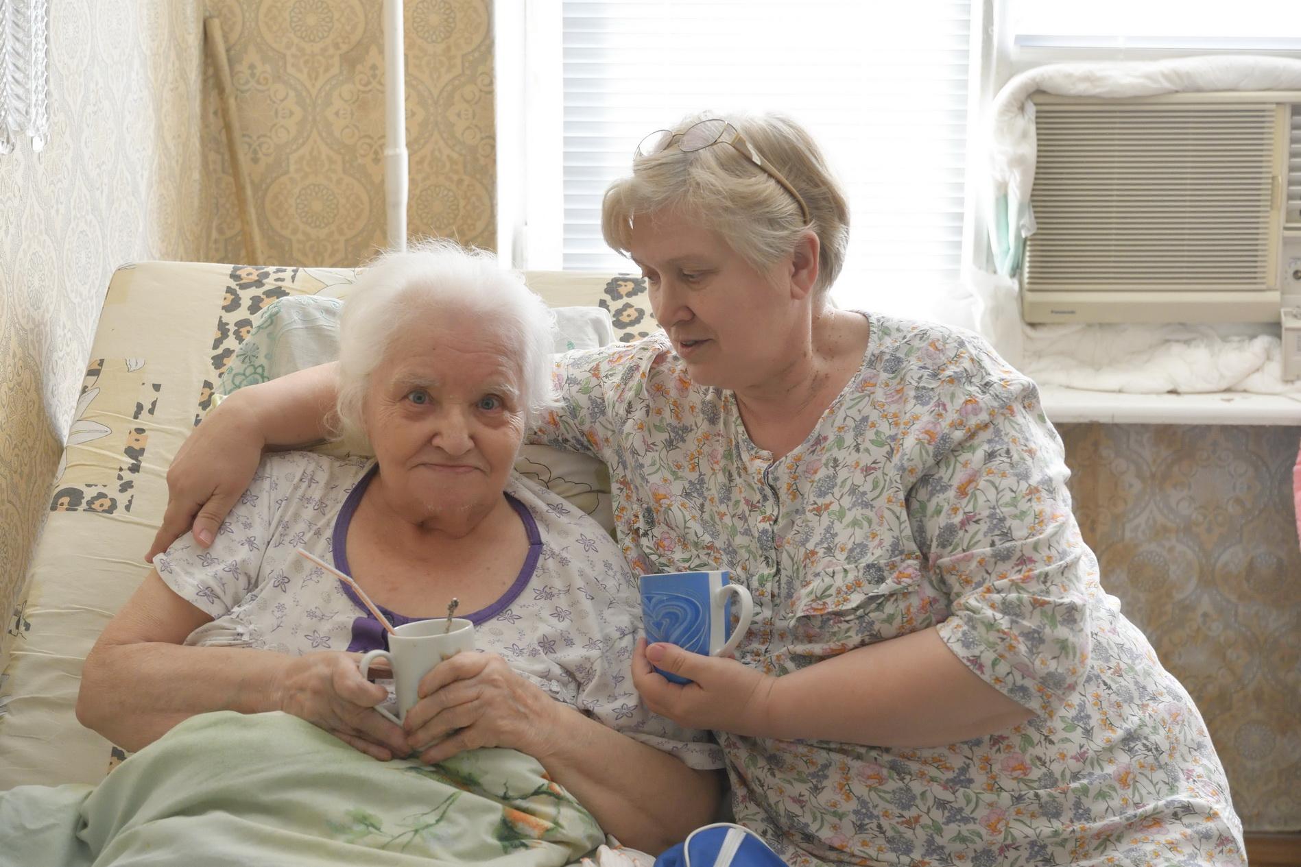 В Новороссийске зарегистрировано одиннадцать приемных семей, где опеку над пожилыми взяли чужие люди