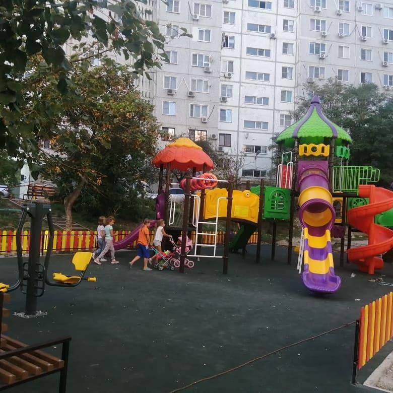 В Новороссийске пенсионеры подняли бунт против новой площадки и требуют ее уменьшить