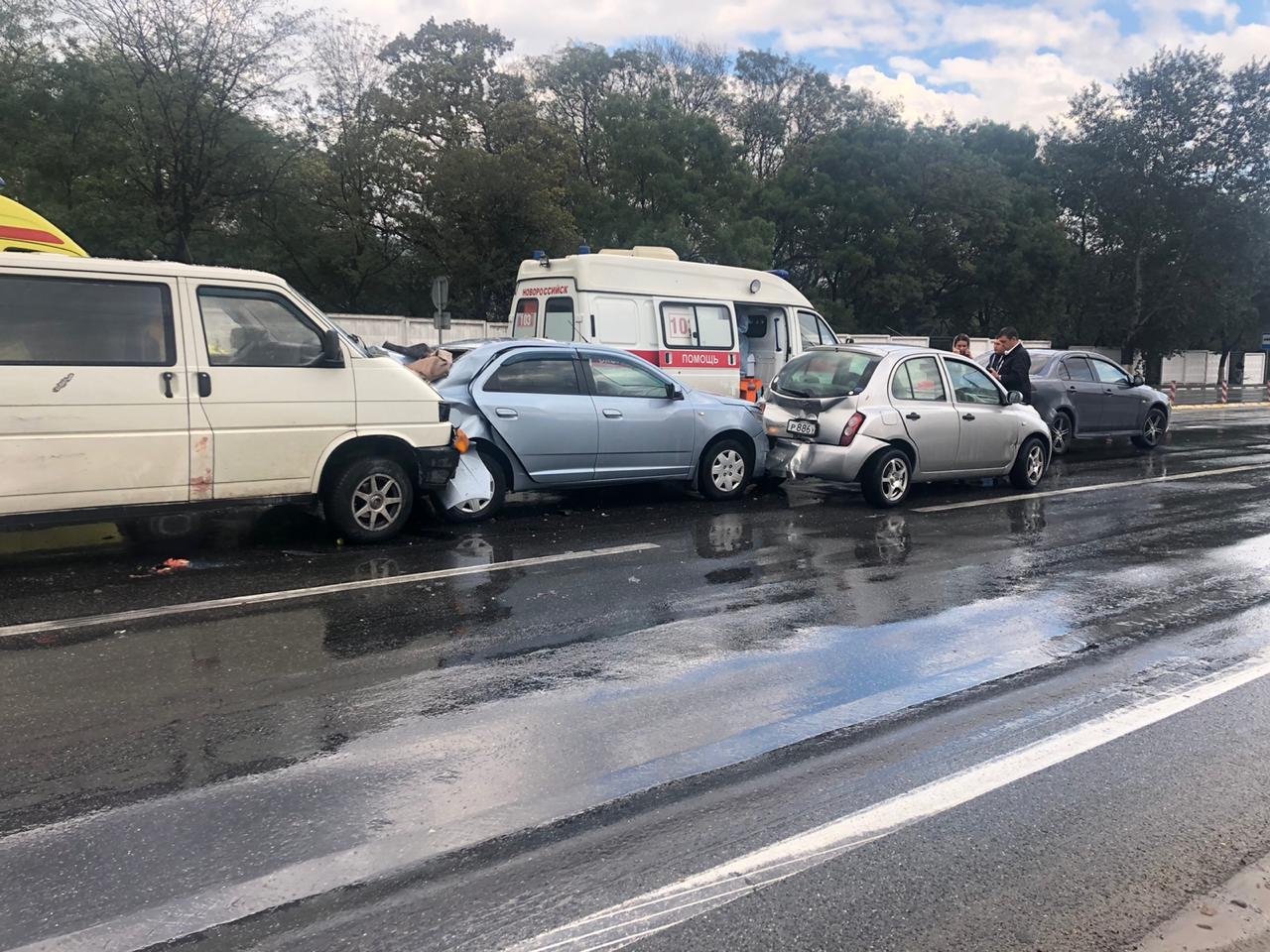 В Новороссийске аварий меньше, но от этого не легче