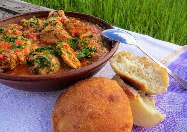 Вкуснейшая курочка в соусе для ужина с венгерским колоритом
