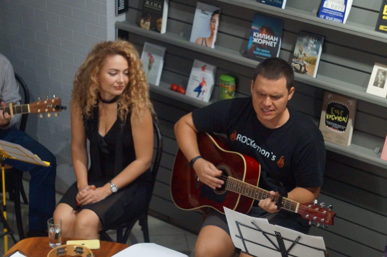 В Новороссийске поклонники творчества Есенина собрались, чтобы слушать песни на его стихи