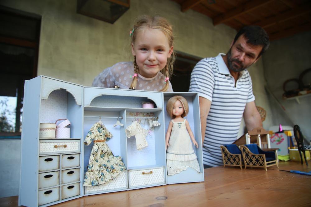 В Новороссийске семейная пара создала мастерскую игрушек