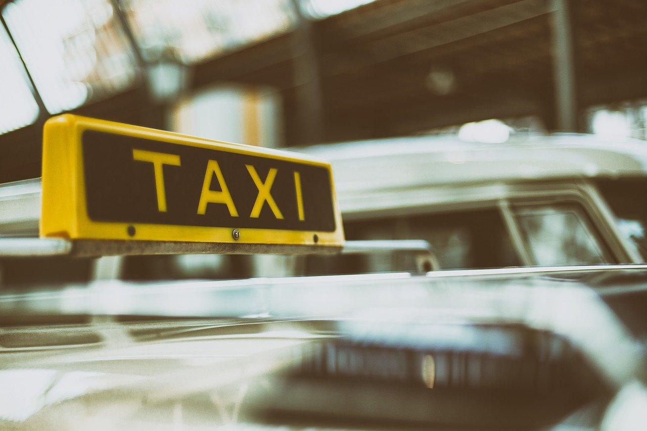 В Новороссийске нет управы на таксиста?