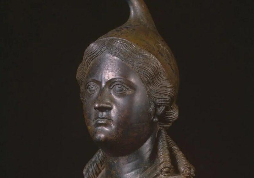Новороссийские краеведы обнаружили, что у нас «украли» бюст царицы Динамии