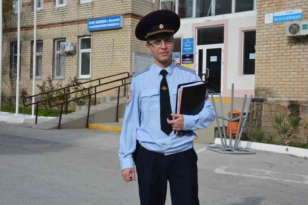 Виктор Легенкин стал лучшим участковым Новороссийска в конкурсе «Народный участковый-2020». Кто и зачем идет работать в полицию?