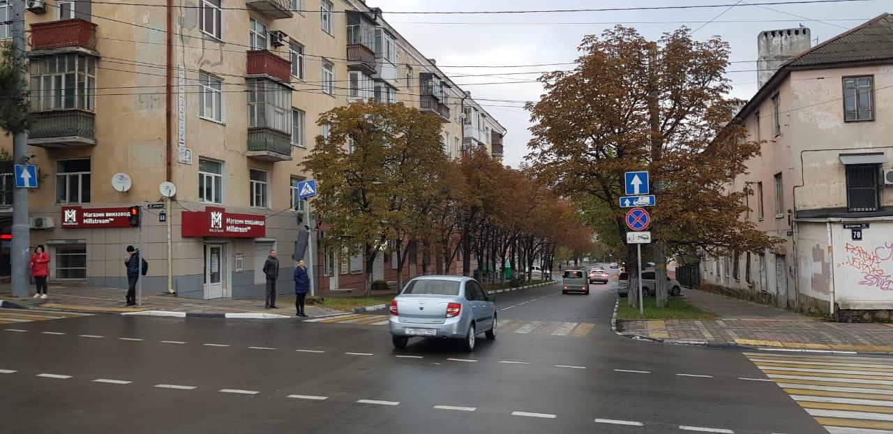 В Новороссийске ночью снесли светофор