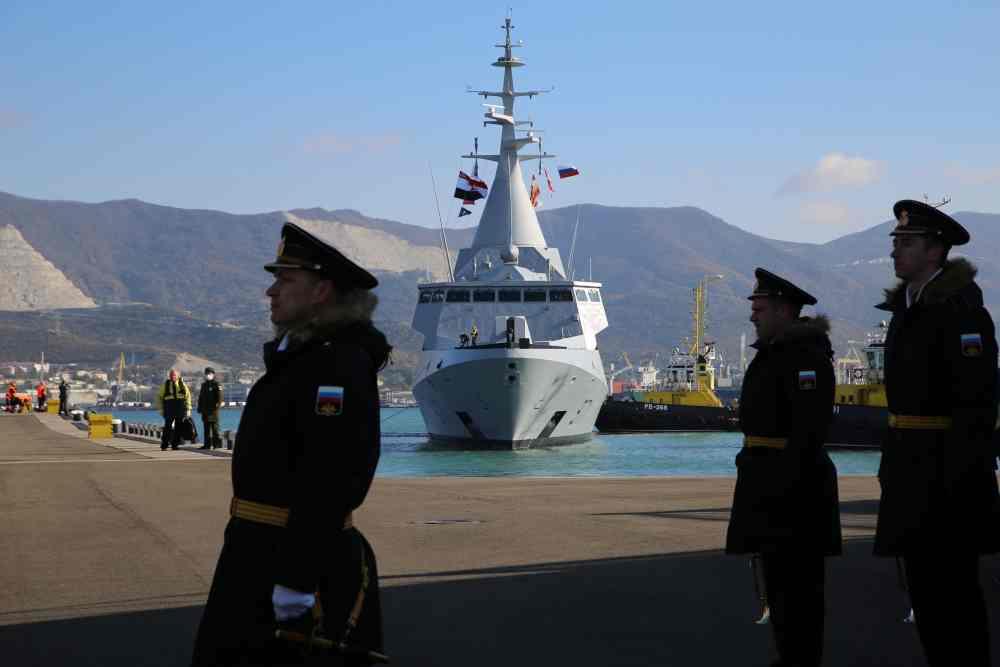 В Новороссийск пришла египетская сила. В полном военном вооружении