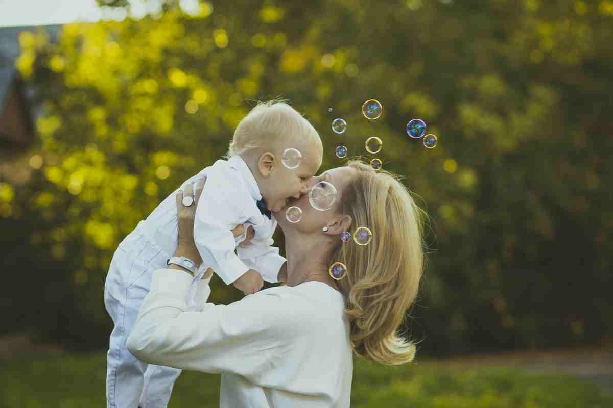 Редакция газеты «НР» поздравляет своих читателей с Днём матери