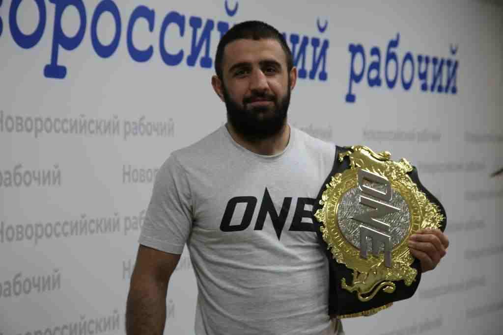 В Сингапуре борец из Новороссийска завоевал титул чемпиона мира