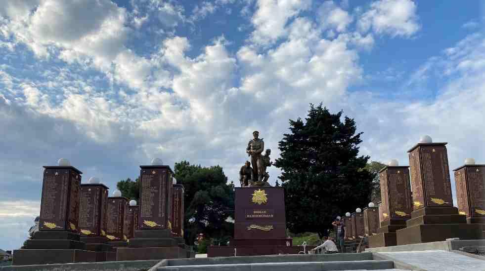 В Мысхако появилась самая большая в городе братская могила