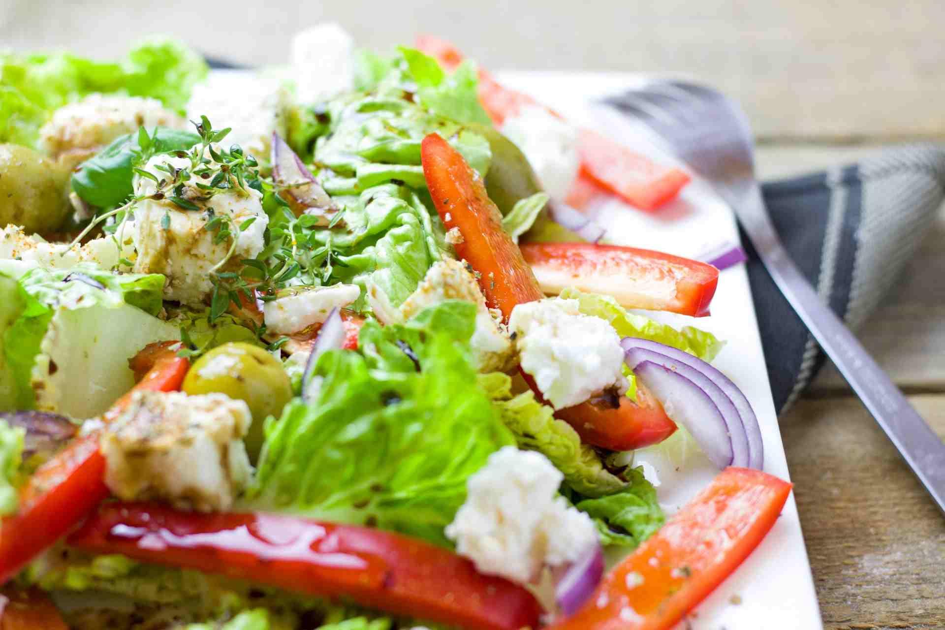 ПП салат с капустой и курицей: его можно есть утром, в обед и вечером