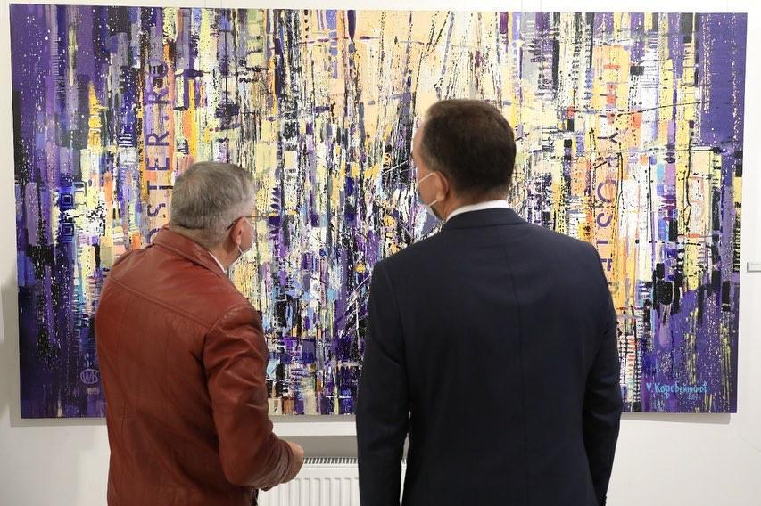 Губернатор Кубани поздравил с 70-летием художника Виталия Коробейникова