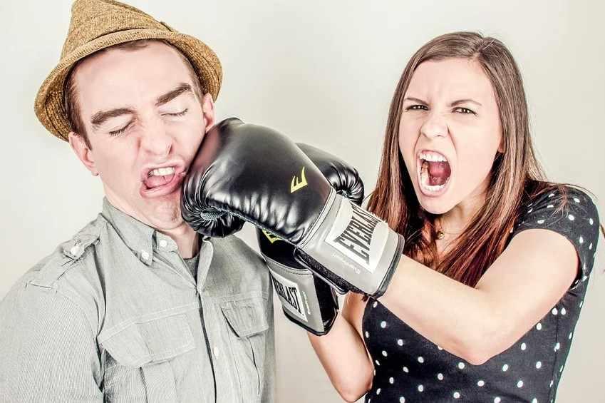 Современное общество говорит языком матов: деградация или спасение?