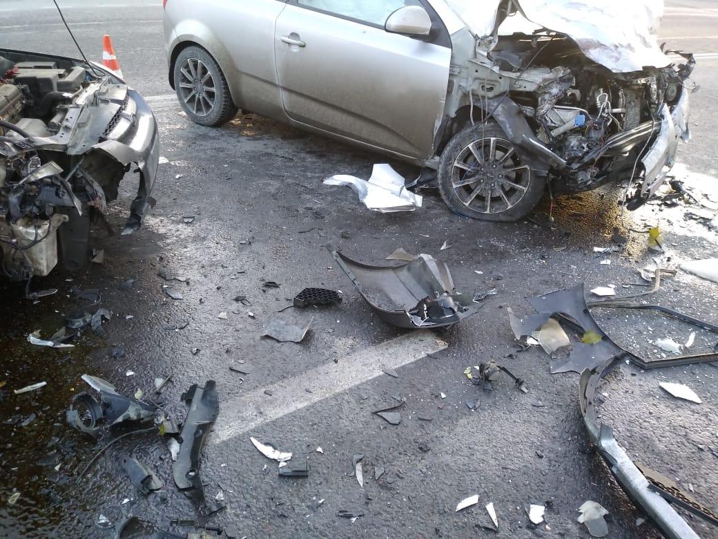Машины раскрошило и разбросало по трассе: в Новороссийске произошла серия аварий
