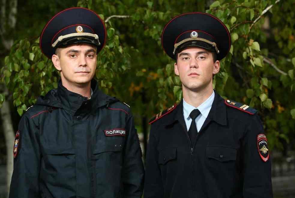 Новороссийская полиция предлагает службу молодым мужчинам