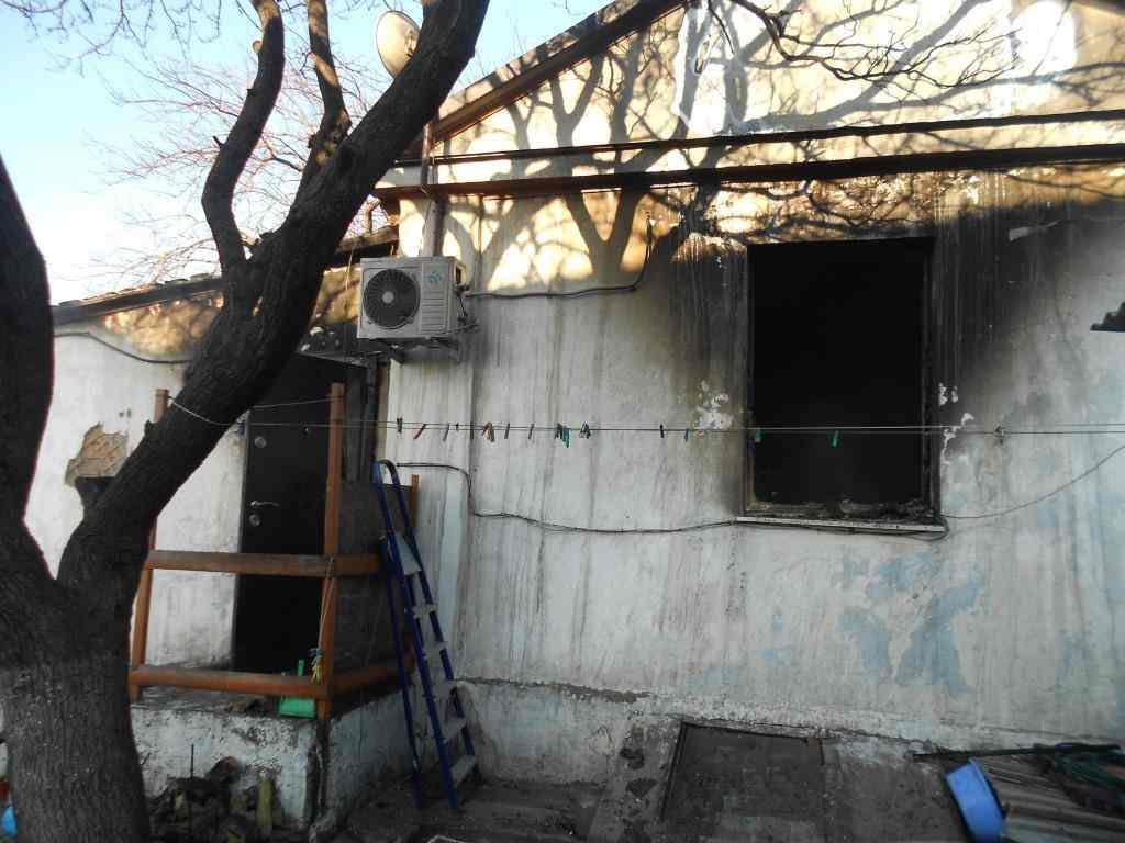 В Новороссийске семья лишилась дома из-за замыкания в микроволновке