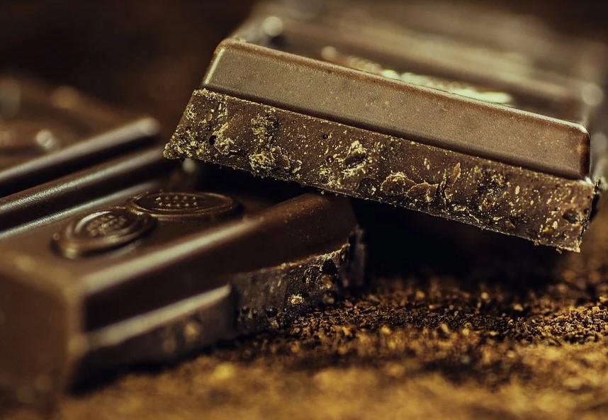 В темном шоколаде есть не только какао-бобы, но и пестициды с дрожжами