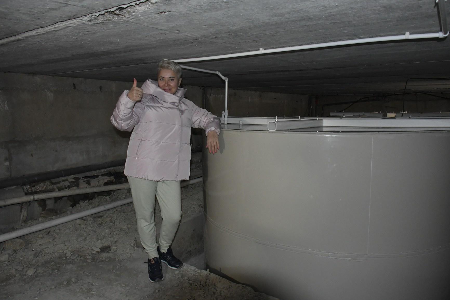 В Новороссийске жители нашли простой способ сделать водоснабжение круглосуточным