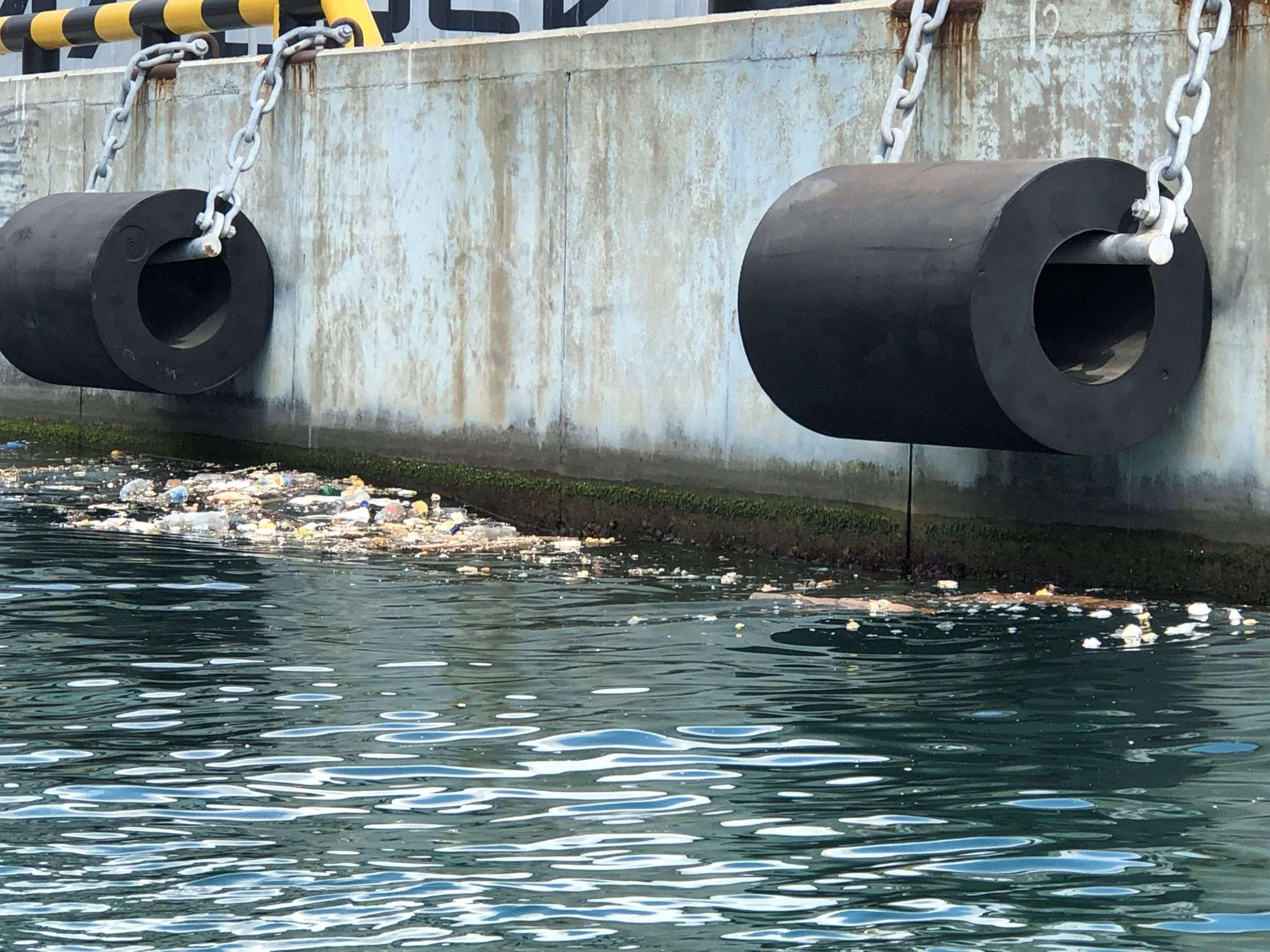 Шесть с половиной миллионов взыщут с предприятий порта за загрязнение Черного моря