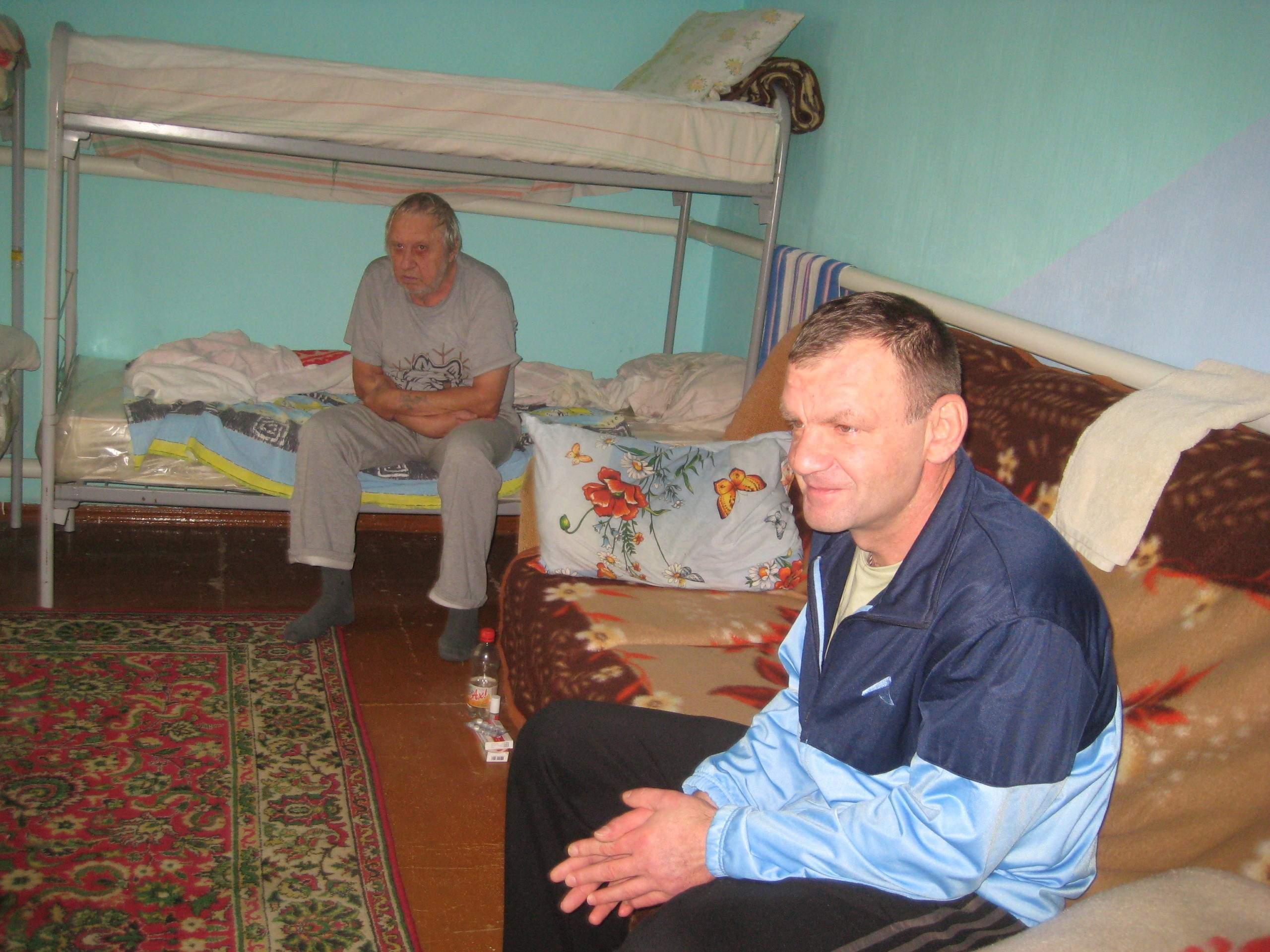 В Новороссийске волонтеры сняли дом для бездомных, замерзающих на улицах города
