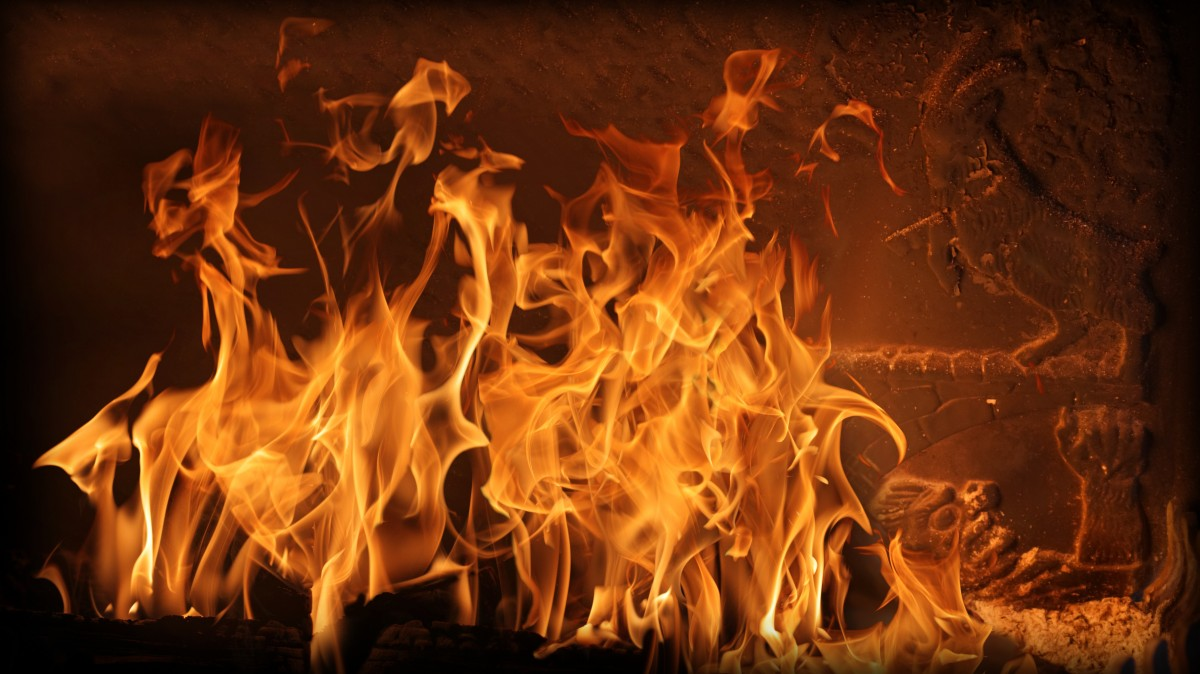 В Новороссийске сгорела квартира на улице Видова