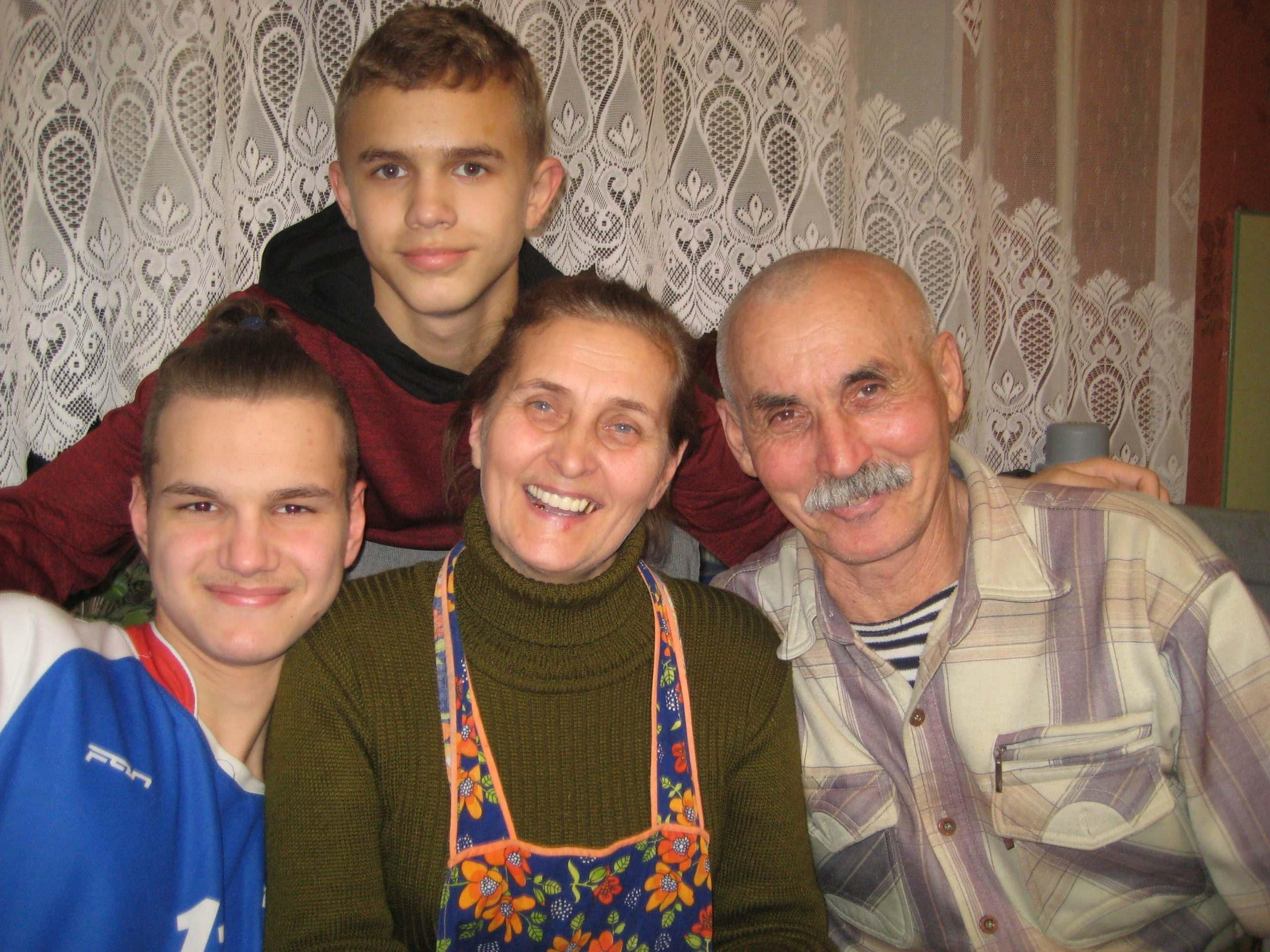 Новороссийцы рассказали, как справиться самим и научить своих детей хорошо жить в наше непростое время