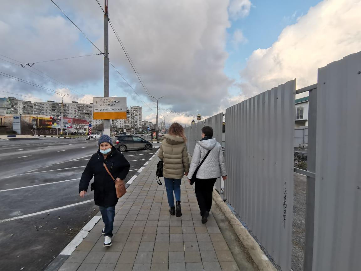 Новороссийцы негодуют: сделали парковку, чтобы построить еще один торговый центр?