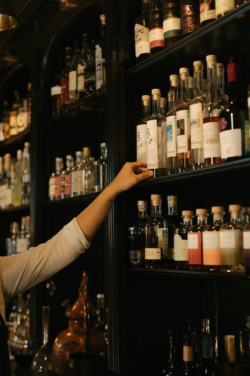 В Новороссийске поймали серийного вора алкоголя. Хотел опохмелиться?