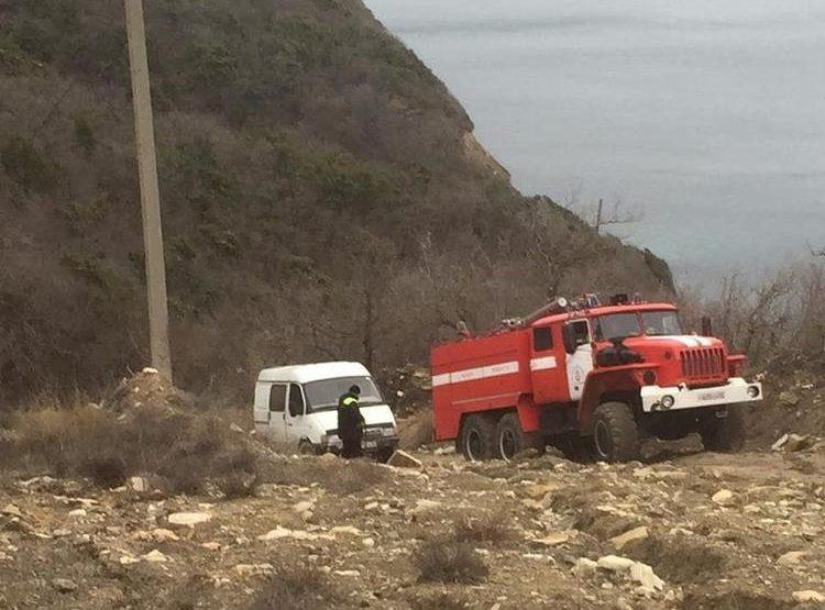 В горах под Новороссийском  развернули целую операцию по спасению водителя «ГАЗели»