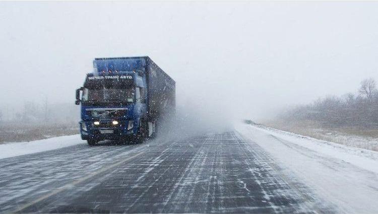 На автодороге «Новороссийск-Керчь» ввели ограничения для большегрузов