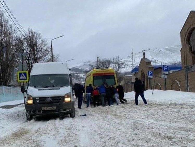 В Новороссийске из-за гололёда участились аварии на дорогах