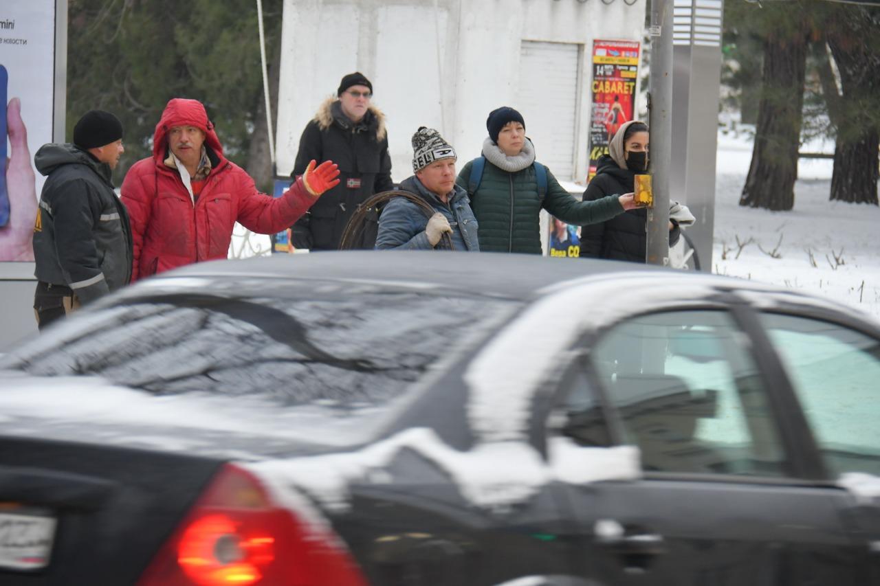 Первый день непогоды прошёл в Новороссийске относительно спокойно: аварии были, но обошлось без жертв