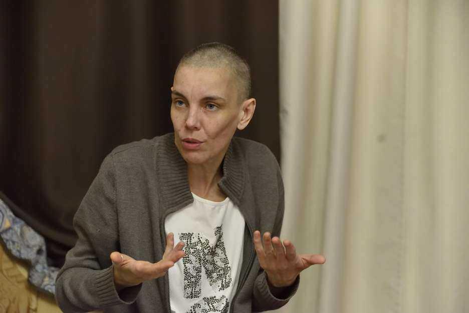 Из Новороссийска в Братск родные не хотят забирать женщину-бомжа с двумя высшими образованиями. Так всех обидела?