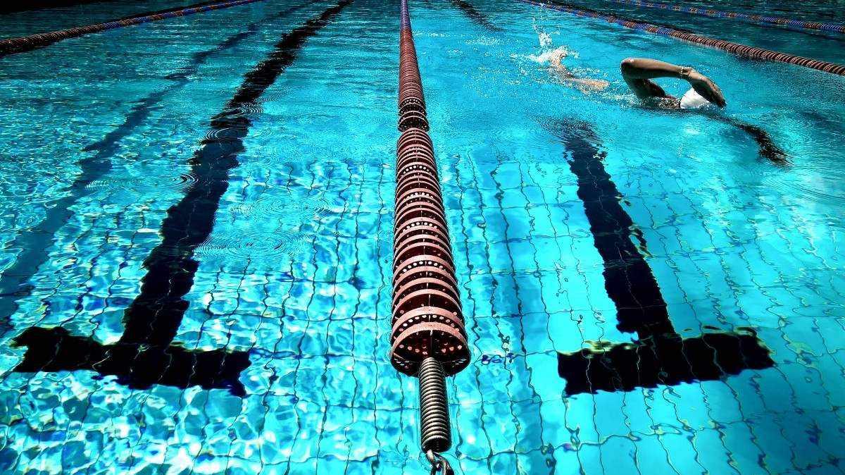 В Новороссийске девушка с ограниченными возможностями получила звание мастера спорта по плаванию