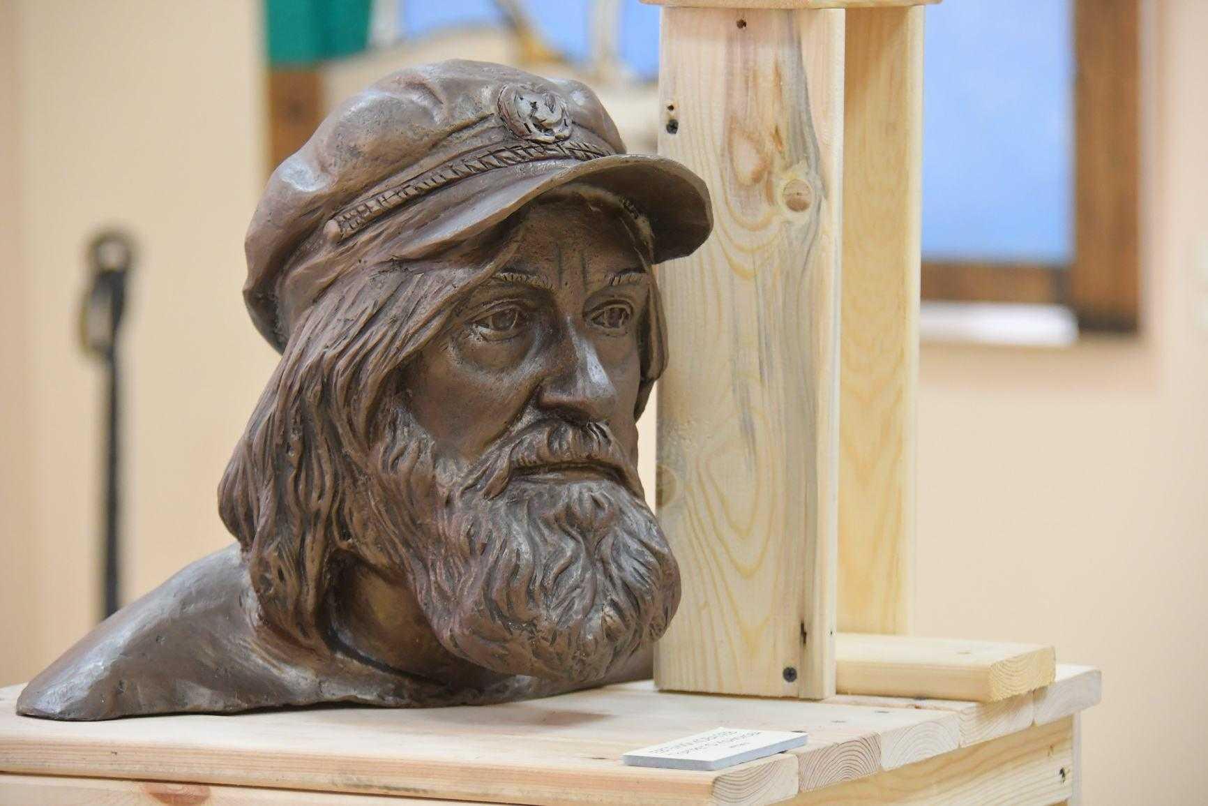 Великий путешественник России привез свои творческие работы в Новороссийск: все о поисках смысла жизни