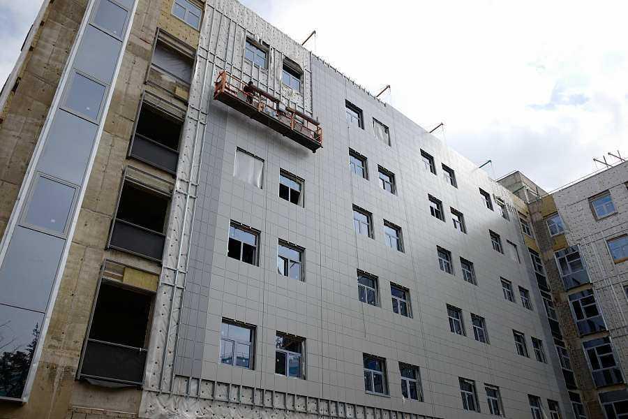 Лечебно-диагностический корпус детской краевой больницы готов на 50%