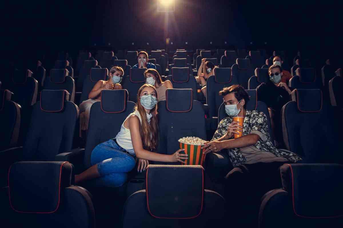 Проносить свою еду в кинозалы скоро запретят
