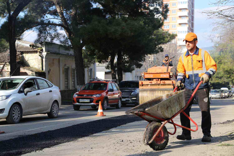 В Новороссийске планируется отремонтировать 22 километра дорог по нацпроекту