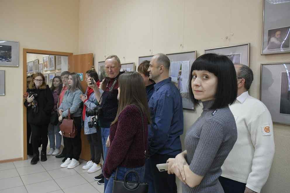 Со всего Краснодарского края съехались в Новороссийск, чтобы посмотреть на уникальные лица